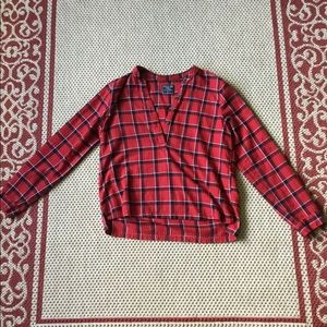 Abercrombie and Fitch red large high low flannel